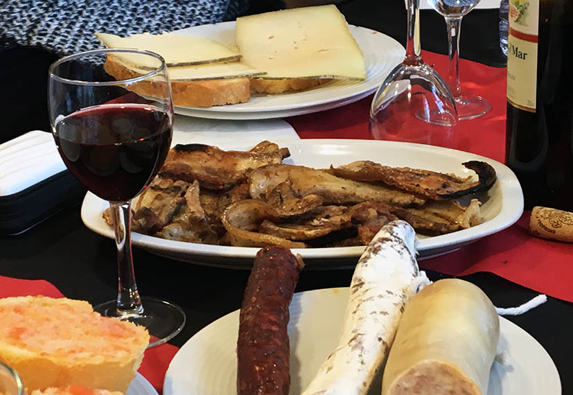 Desayuno en Can Pep Castellfollit de Riobregos