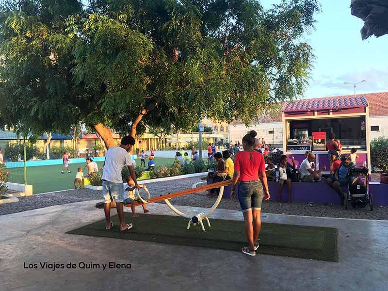 Parque infantil en Mindelho, Cabo Verde