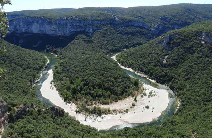 Gargantas del río Ardeche ruta en coche por francia